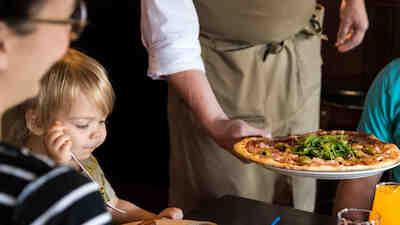 avoimet työpaikat, töihin osuuskauppaan, Osuuskauppa suur-savo, kokki, tarjoilija, kerroshoitaja, mikkeli, savonlinna, pieksämäki, vuoropäällikkö, ravintolapäällikkö, s-ryhmä, töihin ässään