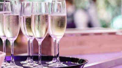 after work kuohuviini shampanja mikkeli frans & michelle 2020