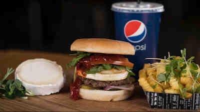 Rapidon herkullinen burgeri, Kauppakeskus Mylly, Raisio