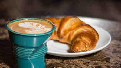 cappuccino ja cornetto S-Etukortilla 5,90€.