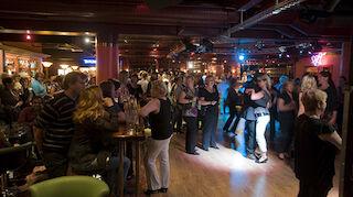 Lappeenranta, yökerho, tanssit, tanssimusiikki, orkesteri, bändi, tanssilattia