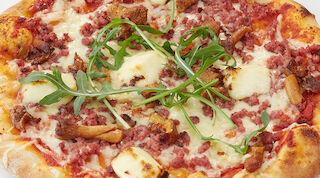Suometar-pizzaa saa lasten ja aikuisten koossa