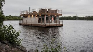 Saimaa, floating sauna, programme services, trekking, experiences, nature experiences, nature, barbecue, bbq, sauna club, unofficial meetings, get-togethers, class reunions, bachelor parties, bachelorette parties, employee events, holidays, pampering, Original Sokos Hotel Lappee, Lappeenranta