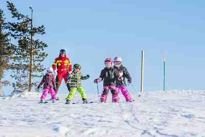 hill ski rent välinevuokraus sukset lumilauta fatbike ahkio vaatteet levi lappi hiihtoloma