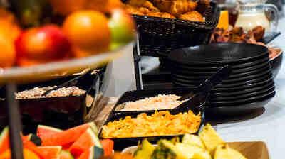 Tule kokemaan Hämeenlinnan Vaakunan ainutlaatuinen aamiainen