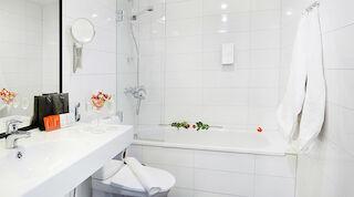 Kylpyhuone jossa amme