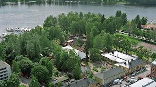 Lahti, Seurahuone, kesäteatteri, vadelmavenepakolainen