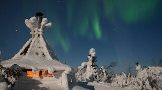 revontulet aurora borealis northern lights winter talvi original sokos hotel kuusamo