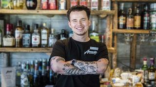 Tony, vår drinkmästare