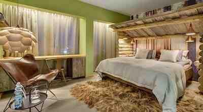 Metsä huone
