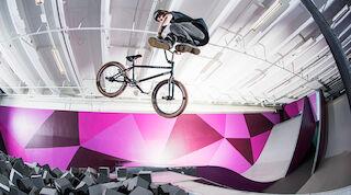 Велосипедные трюки в «Super Park» Вуокатти.