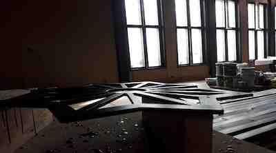 Puikkarin tähti ja uudistuksessa avattu ikkunaseinä
