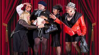 Siilinjärven teatterin esitys Viisi naista kappelissa