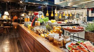Original Sokos Hotel WIklund aamiainen noutopöytä buffet buffetaamiainen turku hotelliaamiainen
