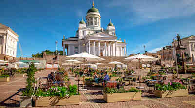 Senaatintori kesäterassi Helsinki kesä 2020
