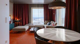 hääyö, Solo Sokos Hotel Torni Tampere, sviitti