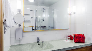 Bathroom -Original Sokos Hotel Tapiola Garden Espoo Finland