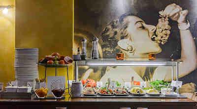 aamiainen Original Sokos Hotel Albertissa Helsingissä