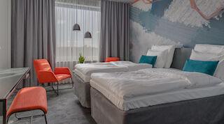 flow huoneteema huone room airport hotel kylpylä