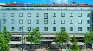 Solar panels at Solo Sokos Hotel Lahden Seurahuoneen katolla