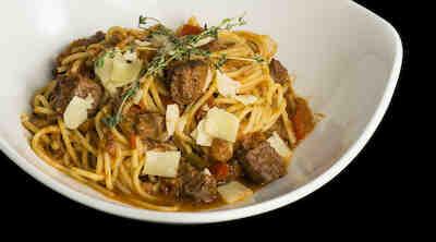 Spaghetti con Agnello Spaghetteriassa S-Etukortilla vain 13,50 € (norm. 15,90 €)