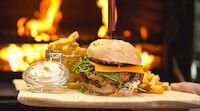 Hillsiden herkullinen burgerbrunssi vappulounas Tahkolla