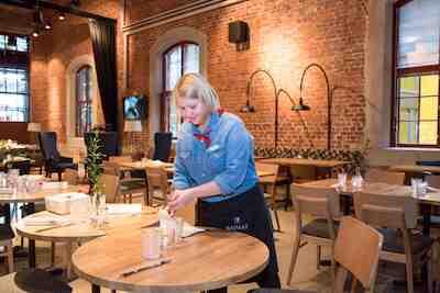 ukko, pieksämäki, Ukko Bistro & deli, uusi ravintola, avattu, veturitallit