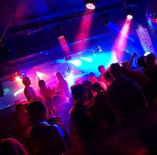 Bar n Night Vaakuna Mikkeli, live-illat, baari, karaoke, opiskelija-ilta,
