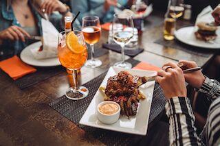grilli, pihvi, saimaa, terassi, ravintola, savonlinna, bonus, steak, wine, bar, dinner, tori, savonlinnan tori, grill,