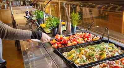 salaattibuffet lounas kotiruoka kulman kuppila mylly raisio