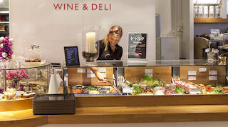 W Café ja W wine & deli