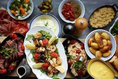 Trattorian Tavola menu on ilo jakaa seurueen kesken.