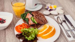Aleksanterin aamiainen viikonloppuisin ja arkipyhinä klo 12 saakka
