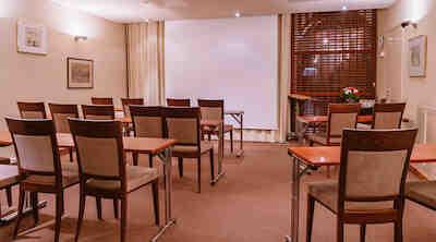 Ravintola Loiste kabinetti 4