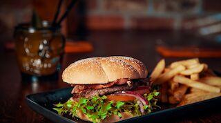 burger amarillo terassi